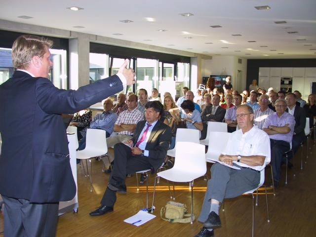 Zum großen Spektrum der Energiewende referierte CDU Bundesabgeordneter Thomas Bareiß vor 70 Zuhörern in der Preuhs Holding in Binsdorf.