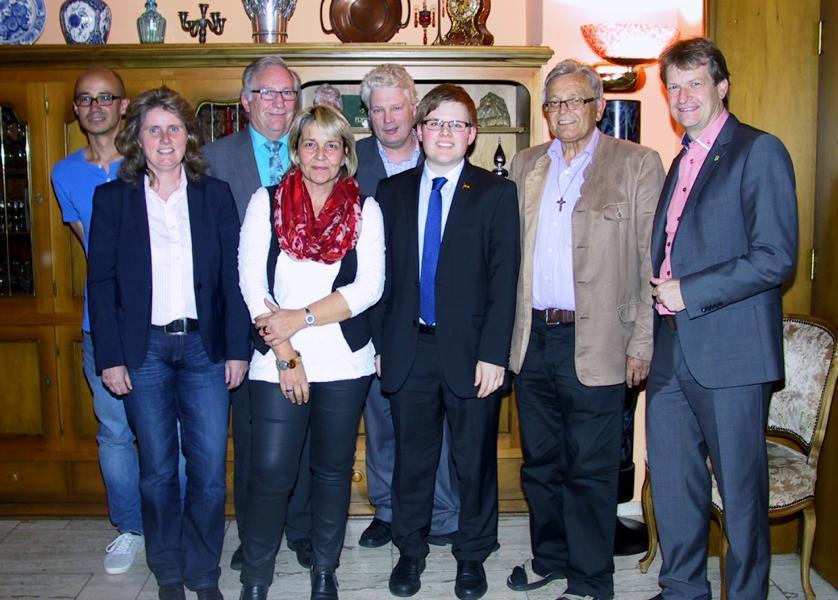 Photo v.l.n.r.: Ralph Keinath, CDU-Kreisvorsitzende Dörte Conradi, Franz Vees (Kreisvorsitzender CDA Sigmaringen), Silvia Haas, CDA-Bezirksvorsitzender Klaus May, CDA-Kreisvorsitzender Tobias Göttling, Karl Locher und Landrat Günther-Martin Pauli (CDU).