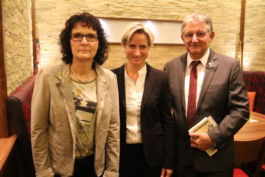 Ministerin Dr. Nicole Hoffmeister-Kraut MdL mit Carlo Auer und Elfriede Kurz
