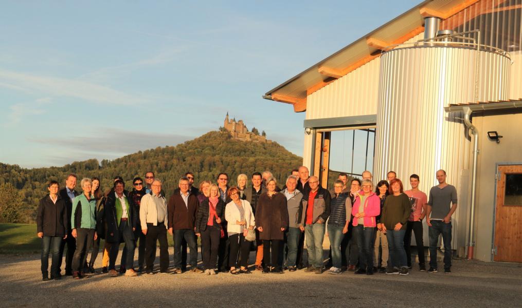 Landfrauen plus Vorstandschaft des CDU-Kreisverbands aus dem Zollernalbkreis auf dem Enzenberghof