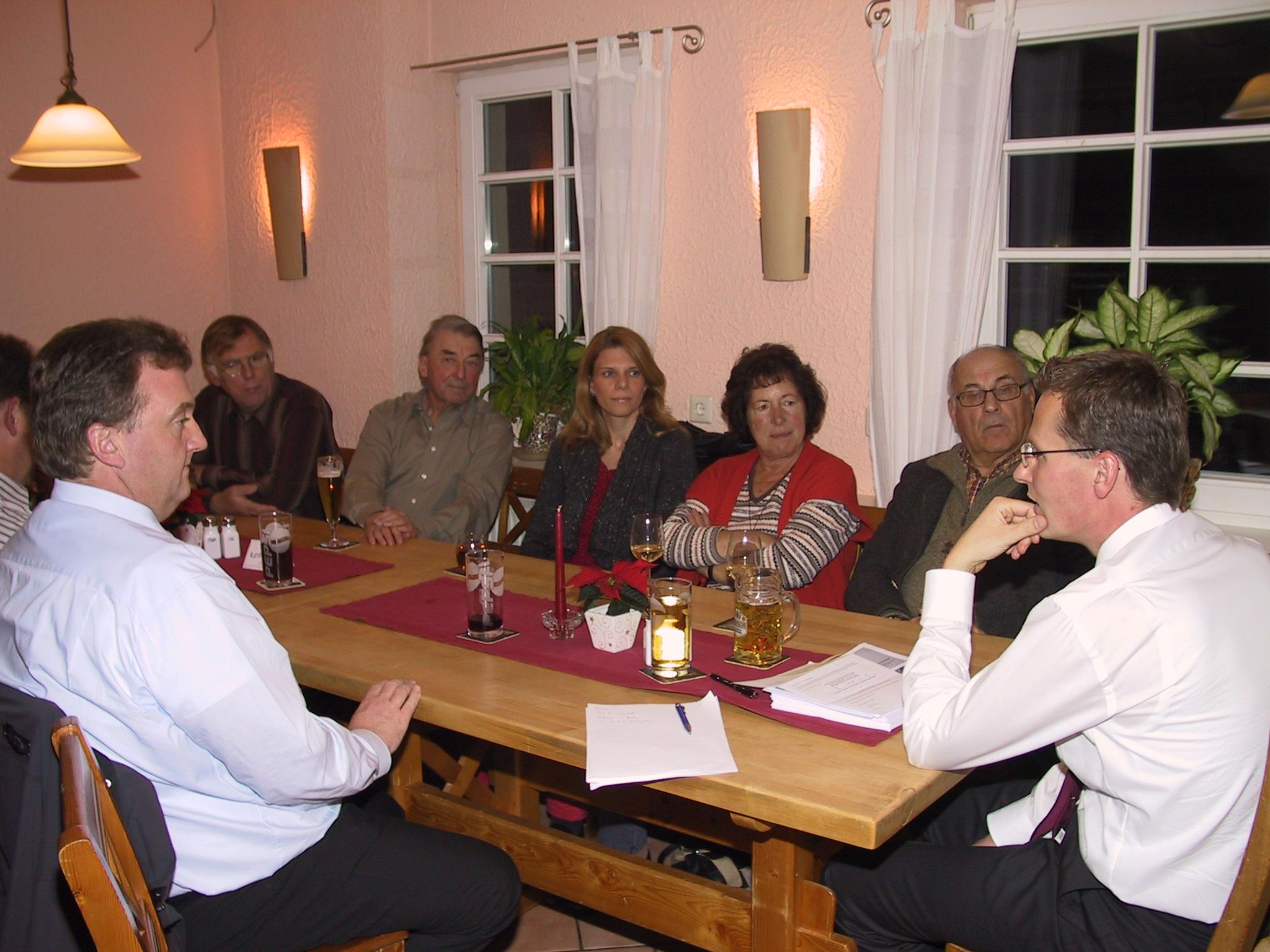 Beim CDU Stammtisch in Rosenfeld referierte Thorsten Straubinger zur aktuellen Finanzmarktpolitik.